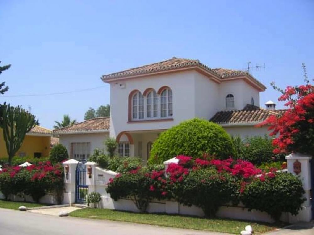 Benahavis villas examples 1 euro for Villas del sol