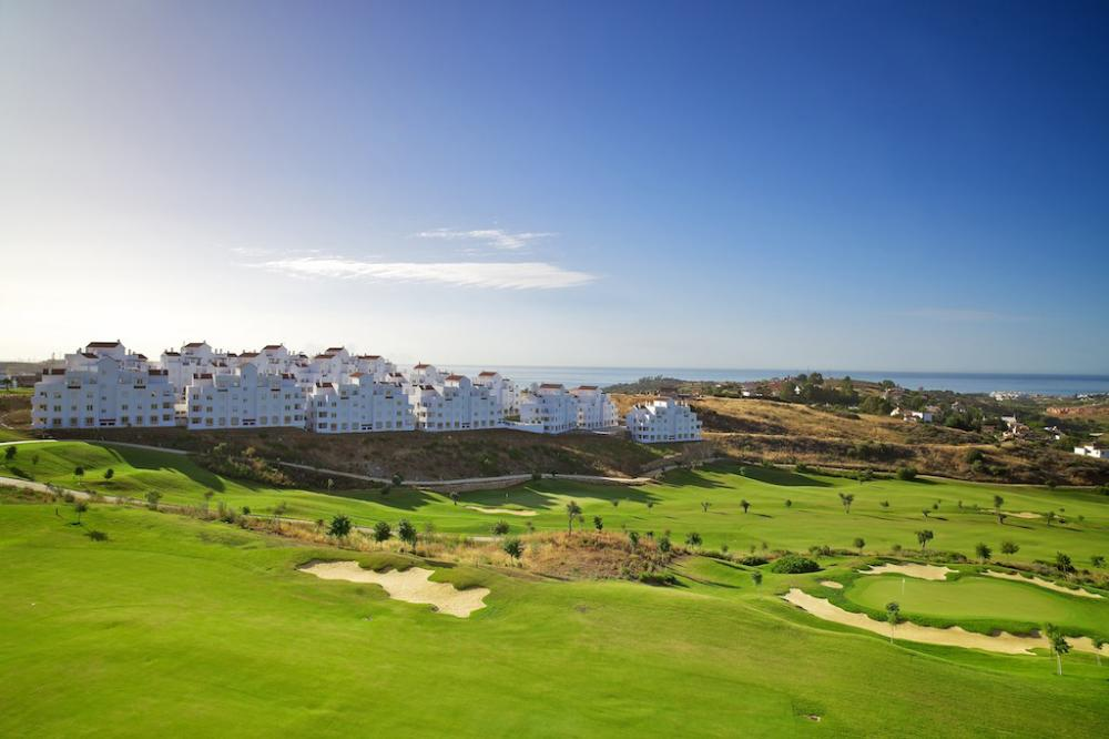 homes_golfresort_estepona